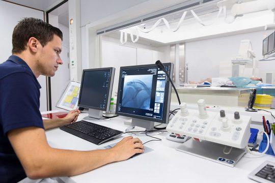 Fachfrau_mann für Medizinisch-Technische Radiologie HF