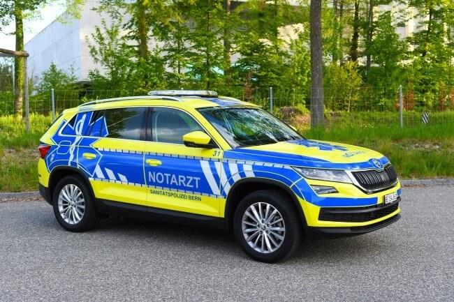 sanitätspolizei-bern-notarztfahrzeug